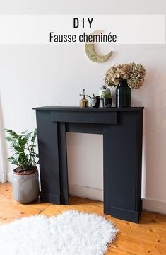 DIY fausse cheminee Fake Fireplace, Fireplace Surrounds, Interior Design Ikea, Moble Homes, Chimney Decor, Diy Home Accessories, Diy Home Repair, Dream Home Design, Living Room Inspiration