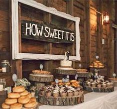 This is the best collection of rustic wedding ideas, featuring centerpieces, wedding cakes, aisle decor, wedding signs and much more! These rustic wedding ideas are affordable and easy to DIY. Wedding Cake Rustic, Rustic Wedding Centerpieces, Decor Wedding, Rustic Weddings, Easy Weddings, Vintage Weddings, Rustic Signs For Wedding, Easy Wedding Cakes, Diy Wedding Cupcakes