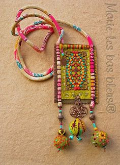 Long embroidered necklace mounted on a Japanese cord, suede cartridge, felt . Fiber Art Jewelry, Mixed Media Jewelry, Textile Jewelry, Fabric Jewelry, Boho Jewelry, Jewelry Crafts, Jewelry Art, Beaded Jewelry, Jewelery