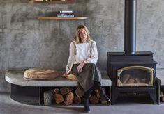 A Look Inside Lon Retreat: An Effortless, Elegant Coastal Escape Claire, Coastal, Home Appliances, Elegant, Wood, House Appliances, Classy, Woodwind Instrument, Timber Wood