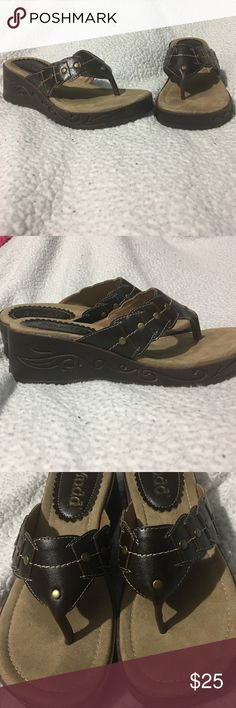 Mudd sandals✨final price✨ Worn only once for a few hours to try on but just not for me practically brand new only damage is a single dark spot on the sole (see pic 3) and some scuffing on the heel (see pic 4) that was there when purchased comes with original box smoke free home ❤️ will document packing and shipping PRICE FIRM Mudd Shoes Sandals