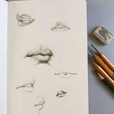 «Lips day. New sketch on my #moleskine . . . . . . . . . . . . . . #sketch #lip #SKETCHING #beauty…»