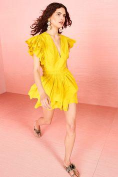 Ulla Johnson Resort 2019 Fashion Show Collection: See the complete Ulla Johnson Resort 2019 collection. Look 18