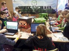 Minecraft in the classroom Minecraft School, How To Play Minecraft, Minecraft Classroom, School Resources, Teaching Resources, Parent Resources, Teaching Tools, Teaching Plan, Student Teaching