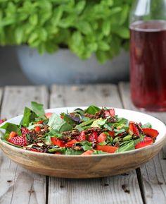 spinat og avokado salat - den perfekte sommer salat Jordbær, spinat og avokado salat - den perfekte sommer salat,Jordbær, spinat og avokado salat - den perfekte sommer salat, 14 Congee Recipes for When Your Rice Porridge Craving Strikes Apple Broccoli Salad, Raw Broccoli, Easy Salads, Summer Salads, Crab Stuffed Avocado, Light Summer Dinners, Cottage Cheese Salad, Salad Recipes, Healthy Recipes