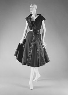 """""""Moulin a Vent"""" wool and silk dress from Christian Dior, 1949. #vintage #fashion #1940s"""