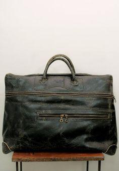 Gorgeous vintage leather travel bag for men