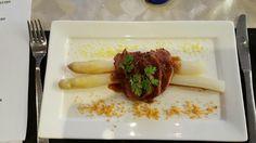 Kha arm: eend in aziatische marinade met asperges