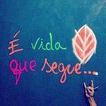 """107 curtidas, 1 comentários - É Vida Que Segue (@evidaquesegue_) no Instagram: """"Ative as notificações  Marque alguém  ➡️Siga ➡️@evidaquesegue_ #vida #frases #pensamentos #paz…"""""""
