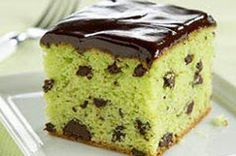 Ingredients  1 pkg.  (2-layer size) yellow cake mix 1 pkg.  (4-serving size) JELL-O Pistachio Flavor Instant Pudding 4  eggs