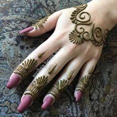 Mehndi Designs almost every female looking for who are interested in mehndi. Now you can see some fabulous and beautiful simple mehndi designs. Henna Hand Designs, Mehndi Designs Finger, Mehndi Designs For Beginners, Mehndi Designs For Girls, Mehndi Designs For Fingers, Arabic Mehndi Designs, Best Mehndi Designs, Mehndi Patterns, Henna Tattoo Designs