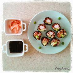 Sushi with quinoa ! Bon Appetit !  #sushi #semivegetarian http://veganna.blogspot.com/2014/08/sushi-with-quinoa-sushi-z-komosa-ryzowa.html