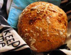 Vaivaamaton kauraleipä - Kaakao kermavaahdolla Bread Recipes, Easy, Food, Recipes, Essen, Bakery Recipes, Meals, Eten
