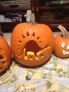 DINOSAUR PUMPKIN CARVING