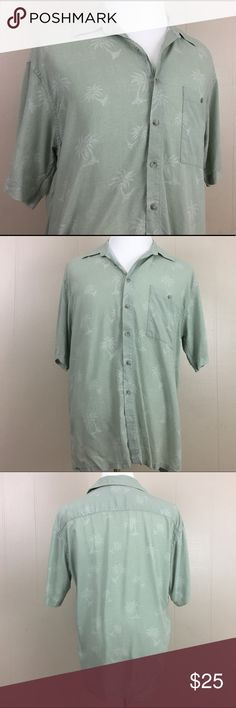 Campia Moda Hawaiian 100% Rayon Men's Shirt Size L Brand: Campia Moda Condition: This item is in Good Pre-Owned Condition! There are NO Major Flaws with this item, and is free and clear of any Noticeable Stains, Rips, Tears or Pulls of fabric. Overall This Piece Looks Great and you will love it at a fraction of the price!  Material: 100% Rayon  Size: Large  💥Top Rated Seller 💥Top 10% Seller 💥Top 10% Sharer 💥Posh Mentor 💥Super Fast Shipping Campia Moda Shirts Casual Button Down Shirts