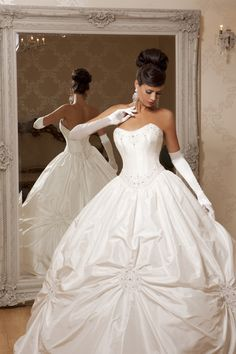 """""""Theodora"""" strapless ivory wedding dress with full skirt & sweetheart neckline from Hollywood Dreams."""