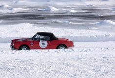 Dal 2009 al 2013 abbiamo seguito le varie manifestazioni d'auto d'epoca lungo le Alpi, che verranno presentate in un libro successivo... Alpineshowroom...© In auto sulle Alpi.....