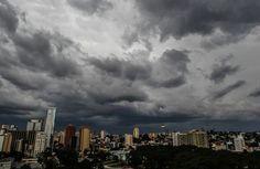 Temporal toma conta de Curitiba e Região Metropolitana / Foto: Daniel Castellano