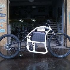 ⚡🚲 Cruiser ebike made with Awesome midmotor made out of our Cromotor electric motor . U can buy or just check out other bikes here : . Electric Bicycle, Electric Motor, Electric Cars, Custom Moped, Custom Bikes, Mini Motorbike, E Bike Battery, Powered Bicycle, Motorised Bike