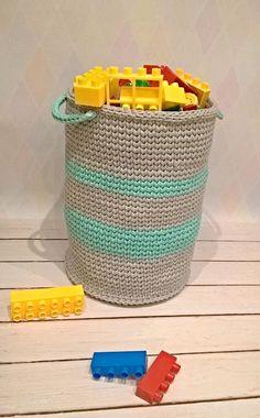 Szaro-miętowy kosz ze sznurka bawełnianego 5 mm. Może być na cokolwiek sobie wymyślicie...u mnie na klocki,których jest mnóstwo ! ✔ materiał: sznurek bawełniany 5mm ✔ wymiary: 30x40cm ✔ można prać w pralce w temp. 30 stopni ✔zamówienia:szydelkowe.impresje@gmail.com   #robię_bo_lubię #crocheting #szydelko #basket #kosz #sznurekbawełniany #cotton #cord #crochetbasket #szydelkowykosz #decor #scandinaviandesign #interior #4home #wnetrze #kosznazabawki #4kids #dladzieci #home #scandinavian Crochet Baskets, Hamper, Organization, Home Decor, Organisation, Homemade Home Decor, Interior Design, Home Interiors, Decoration Home