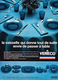 Publicité Vereco 1969 Shades Of Blue, A Table, Advertising, Graphic Design, France, Dishes, Glasses, Vintage Crockery, Box Sets
