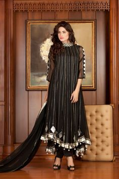 The main motive of EStyleOut team is, to provide the best and the latest pakistani party wear dresses designs of every kind of wear. Pakistani Party Wear Dresses, Designer Party Wear Dresses, Indian Gowns Dresses, Kurti Designs Party Wear, Pakistani Dress Design, Indian Designer Outfits, Pakistani Outfits, Party Dresses, Dress Party