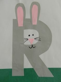 This page is a lot of letter R crafts for kids. There are letter R craft ideas and projects for kids. If you want teach the alphabet easy and fun to kids,you can use these activities.You can also find on this page template for the letter R. Letter R Activities, Preschool Letter Crafts, Alphabet Letter Crafts, Abc Crafts, Preschool Projects, Alphabet Book, Daycare Crafts, Preschool Activities, Letter Art