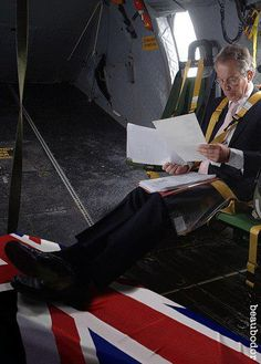 Tony Blair - War Criminal - Supporting the Troops