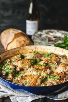 This coq au vin blanc recipe shows a great way of making succulent chicken with mushrooms cooked in white wine and a splash of cream. French Chicken Recipes, Low Carb Chicken Recipes, Gourmet Recipes, Dinner Recipes, Cooking Recipes, Healthy Recipes, French Recipes, Dinner Ideas, Chicken Meals