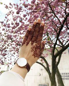 mehndi design for girls Pretty Henna Designs, Modern Henna Designs, Indian Henna Designs, Latest Arabic Mehndi Designs, Stylish Mehndi Designs, Mehndi Designs 2018, Modern Mehndi Designs, Mehndi Designs For Girls, Henna Art Designs
