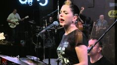 Imelda May - Pullin' The Rug (Live in the BIng Lounge) shes the best!