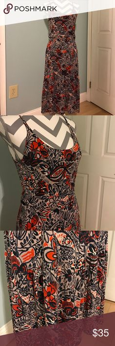 """LOFT Modern Floral Midi Dress This dress is adorable and ready for Spring! I'm not a huge fan of midi length dresses on me, so this was barely worn and looks new. Approximate measurements are: bust 16"""" and length 44"""". Colors are gray, navy and a pretty orangey red. LOFT Dresses Midi"""