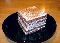 Jednoduchá, nepečená pochúťka z BB keksov, kyslej smotany a šľahačky. Tiramisu, Vanilla Cake, Bb, Ethnic Recipes, Desserts, Food, Gardening, Tailgate Desserts, Meal