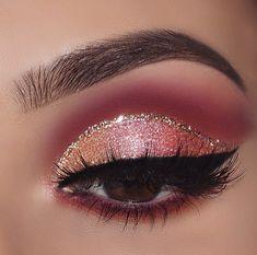 Top 25 Life Changing Eye Makeup T . - Top 25 life changing eye makeup tips fo. - Make Up Eye Makeup Glitter, Eye Makeup Brushes, Eye Makeup Tips, Smokey Eye Makeup, Makeup Goals, Makeup Inspo, Eyeshadow Makeup, Makeup Inspiration, Hair Makeup