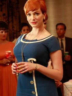 I LOVE Christina Hendricks as Joan Holloway on Mad Men. I remember her from Firefly, but kinda hated her on that show (such a bizznatch! I've been watching Mad Men obsessively over winter break. I'm almost done with the third season. Joan Holloway, Vintage Beauty, Vintage Fashion, Vintage Style, The Maxx, Mad Men Fashion, Diy Fashion, Style Fashion, Fashion Ideas