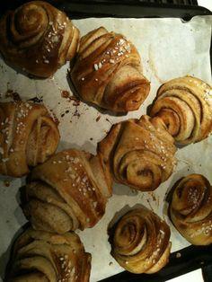 Finnish Cinnamon Buns (Korvapuusti) by Tarja Barton. Buns, Cinnamon, Favorite Recipes, Bread, Foods, Canela, Food Food, Food Items, Bread Rolls