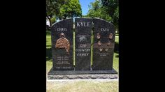 A headstone has been installed at the gravesite of Chris Kyle, the Navy SEAL marksman who was killed in Navy Military, Military Soldier, Chris Kyle, Famous Graves, Memorial Museum, Veterans Memorial, American Soldiers, Navy Seals, Amazing Art