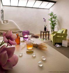 Salle de massage lumineuse à Val Cenis. Décoration zen, fleurs de lotus.