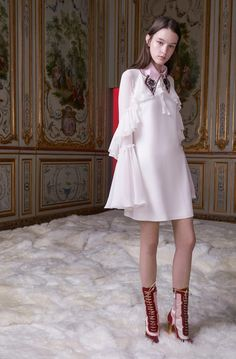 See the complete Giamba Fall 2017 Ready-to-Wear collection.
