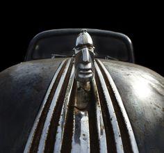 The hood ornament is an Indian off a Pontiac Car Badges, Car Logos, Cars Vintage, Antique Cars, Supercars, Buick, Car Hood Ornaments, Radiator Cap, Automotive Art
