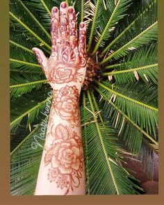#henna#hennaart#hennatattoo#hennamehndi#mehndidesigns#bridalhennadesigns#hennadesigns#hennafun#hennalover#mehndilovers#hennainspired#dulhanhenna#mehndinight#weddingday#wedding#rosehenna#flowermehndi#art#artist#bride#indianmehndidesign#naturalhenna#hennastain#arabichenna#hennabook#hennapro#7enna#tattoo#bodyart#Naazi_henna#zulfas_henna #rosemehndi @Naazi_henna Rose Mehndi Designs, Cactus Plants, Henna, Body Art, Bride, Tattoos, Artist, Wedding, Mariage