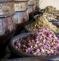 Hand-blended herbal teas are all the rage at farmers' markets. Here's how to grow and mix teas that will fly off your sales table.