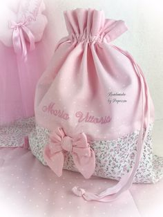 Discover thousands of images about pink-pinker Pois Dist-Wechselbeutel (FILEminimizer) Potli Bags, Baby Zimmer, Baby Girl Crochet, Creation Couture, String Bag, Baby Supplies, Diy Bow, Fabric Bags, Kids Bags