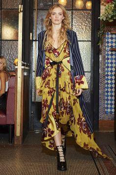 Cinq à Sept Spring 2017 Ready-to-Wear Fashion Show