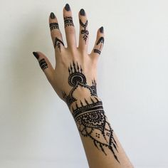 Henna hands artistic fashion obsessed!