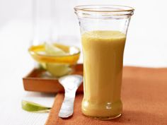 Möhren-Orangen-Drink - mit Quark - smarter - Kalorien: 142 Kcal - Zeit: 5 Min. | eatsmarter.de #eiweissshakes #eiweissshake