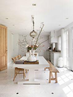 Neutral interior, white walls, pine