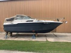 Used Sea Ray 290 Sundancer boats for sale - Boat Trader Sea Ray Boat, Sturgeon Bay, Boat Dealer, Buy A Boat, Power Boats, Boats For Sale, Fishing, Motor Boats, High Performance Boat