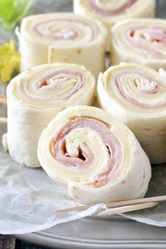 An easy and delicious recipe for Ham and Cheese Pinwheels! These tasty pinwheels make the perfect make-ahead lunch, snack or appetizer! appetizers pinwheels Ham and Cheese Pinwheels - Mother Thyme Recipe For Ham And Cheese Pinwheels, Ham Pinwheels, Cream Cheese Pinwheels, Tortilla Pinwheels, Ham And Cheese Roll Ups, Ham Roll Ups, Turkey Roll Ups, Roll Ups Tortilla, Finger Food Appetizers