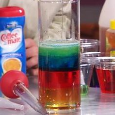 Seven layer density column: Karo, water, vegetable oil, soap alcohol, lamp oil, honey, food coloring and acylinder. Science Party, Preschool Science, Science Classroom, Science For Kids, Teaching Science, Science Activities, Activities For Kids, Science Ideas, Science Fun